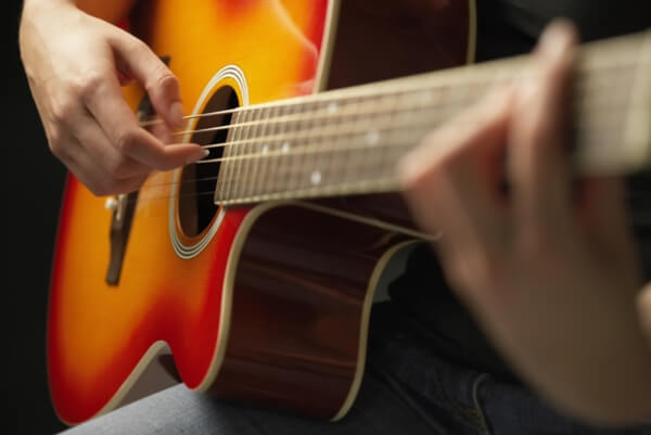 クロスロードチャーチ岡山(キリスト教会)音楽教室「ギター教室」の案内